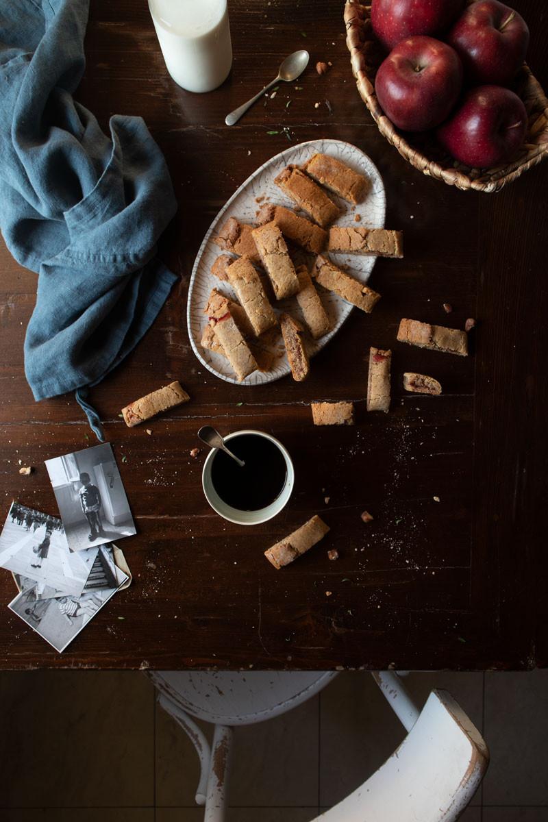 Hazelnut and jam cookies | Butter free | Recipe