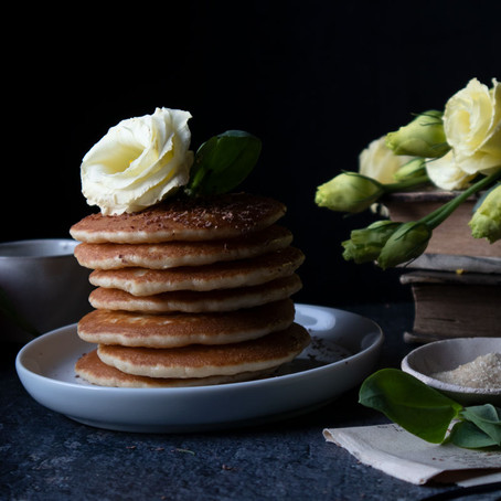 Breakfast Pancakes with Tangerine Juice, Dark Chocolate and Honey
