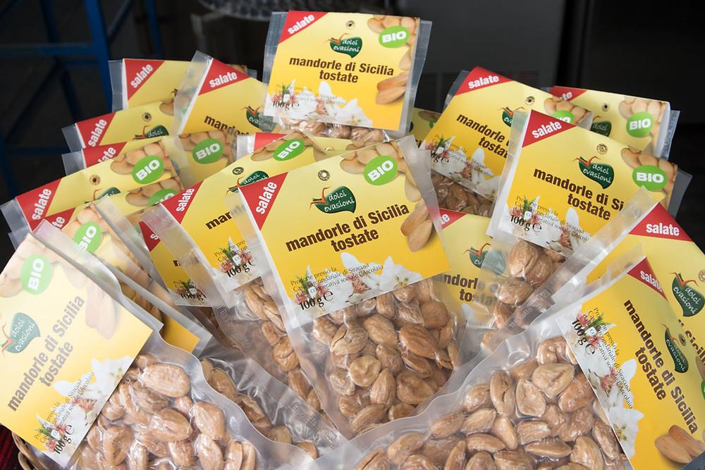 Organic Sicilian almonds
