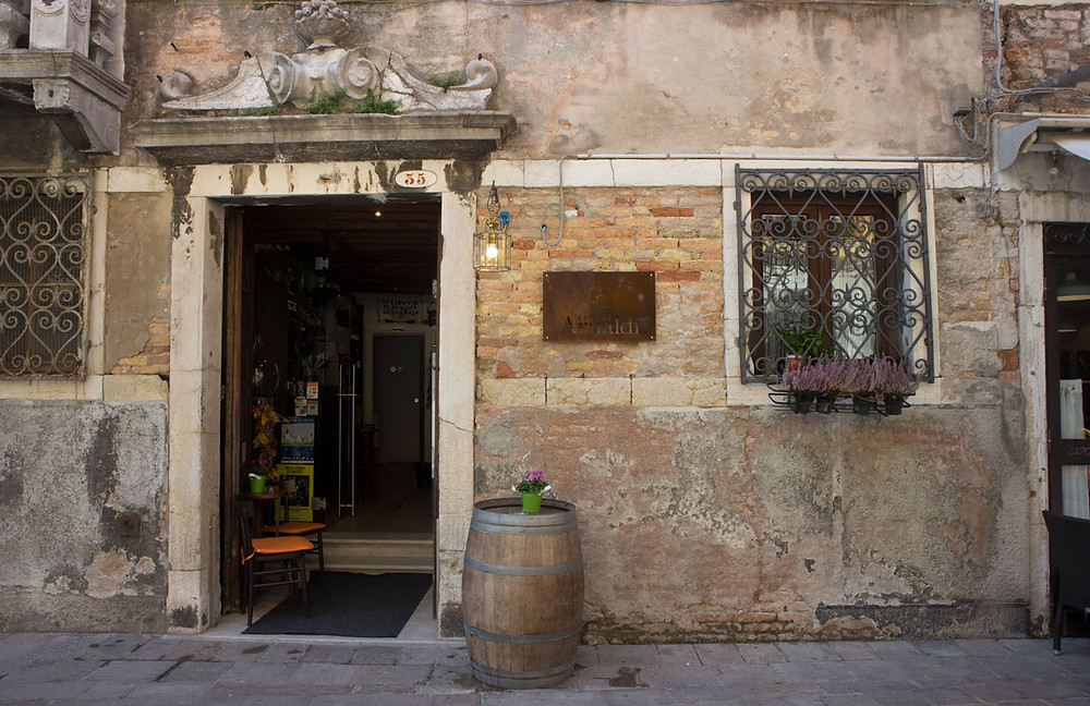 Quality wine and cicchetti in Venice (Italy) | Cantina Arnaldi