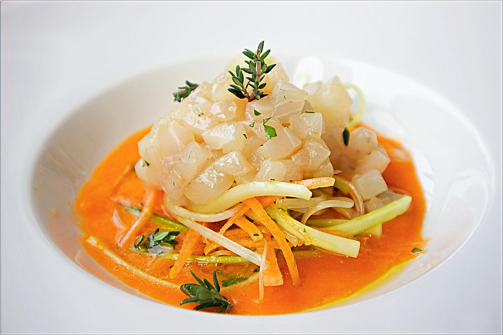 Sea-bream tartare with a datterini tomato soup