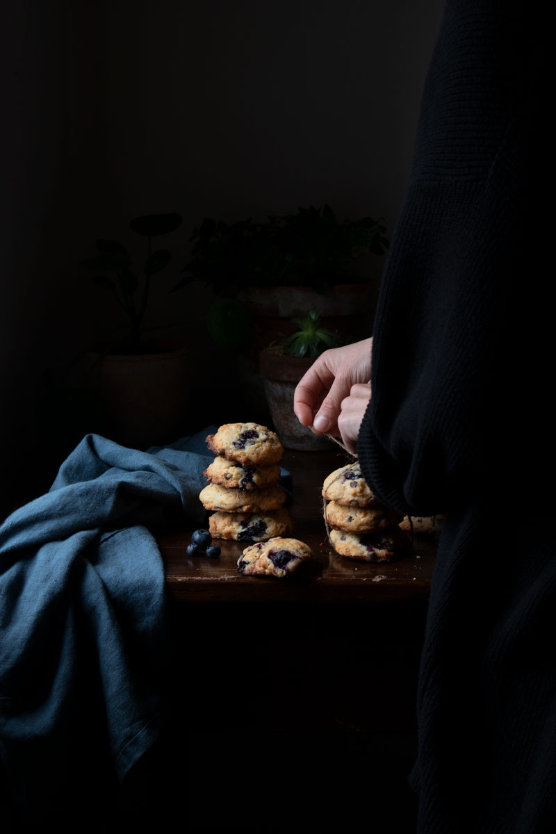 Cookies with corn flakes, blueberries, chocolate chips, and sea salt