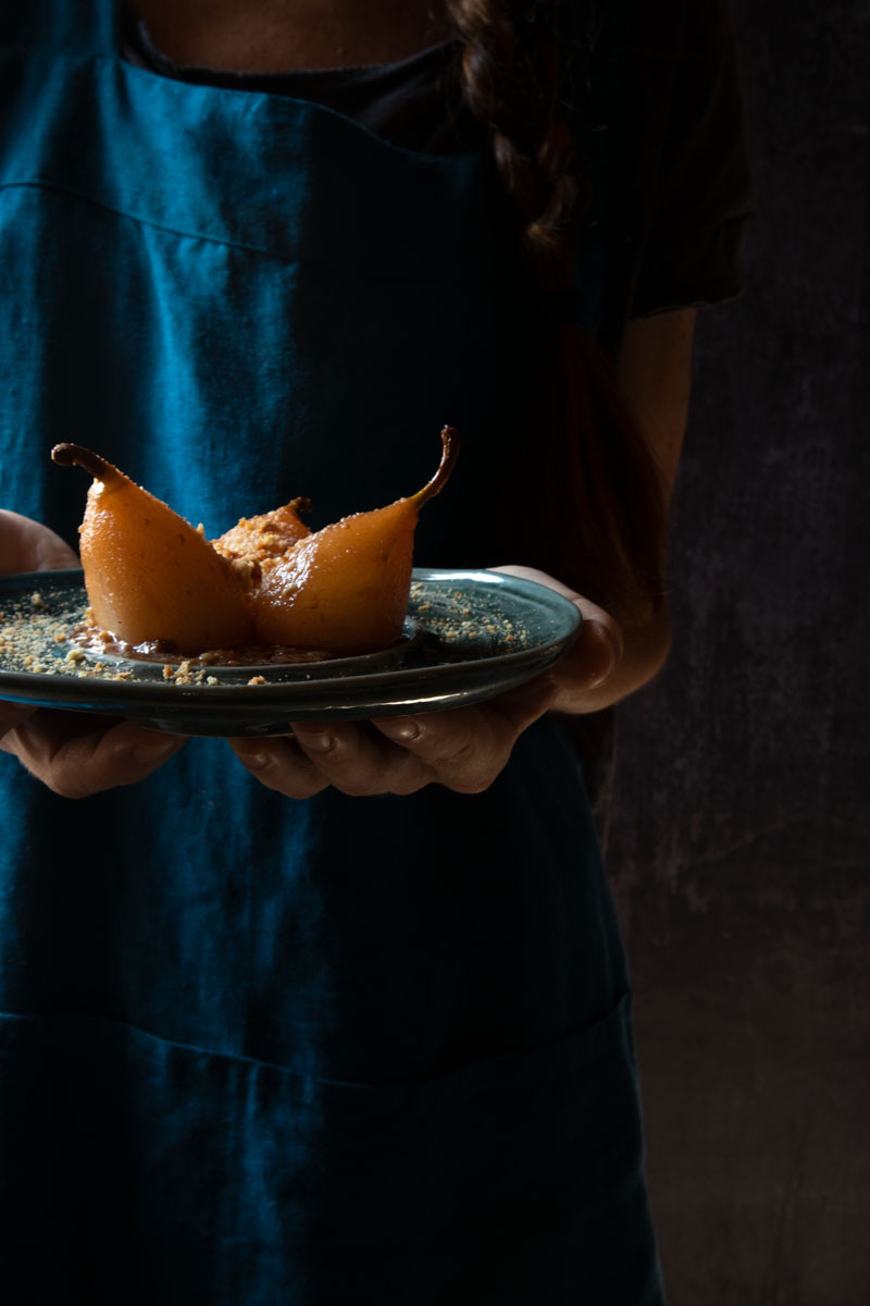 Light poached pears for a healthy snack | Nicoletta Fornaro