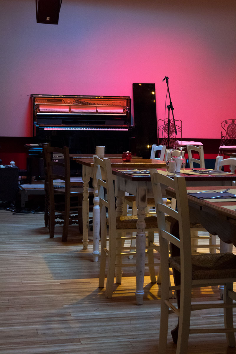 Dinner with jazz music and theatre | Laguna Libre - Venice (Italy)