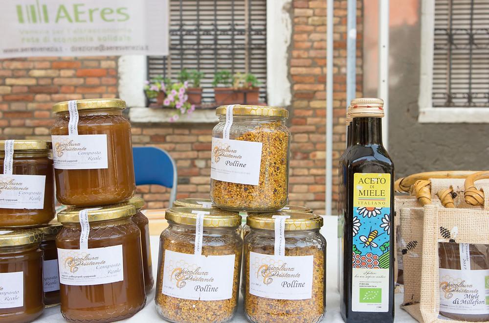 Farmer Market in Venice | Rio Tera' dei Pensieri | Honey