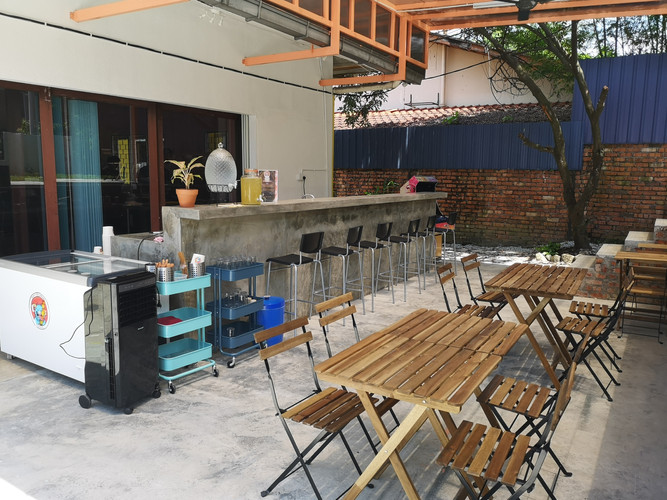 Puntry -Outdoor Seating