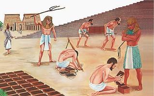 Hijos de Dios con vida de esclavos.