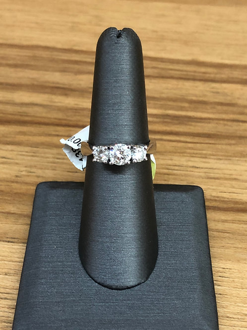 1.25 ctw 3 stone diamond ring