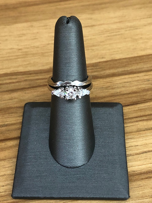 .78 ctw 3 stone diamond ring