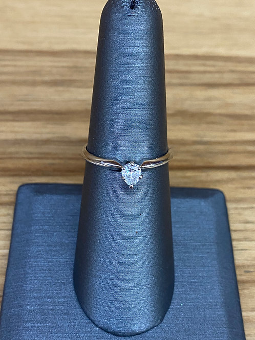 .26 ct pear cut diamond engagement ring