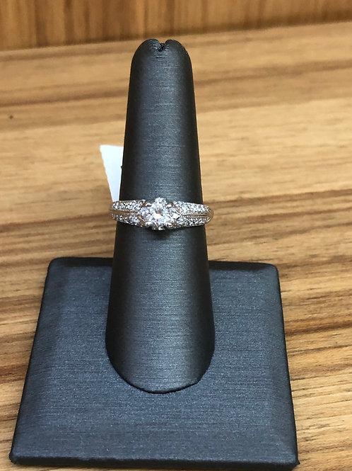 .85 ctw diamond engagement ring