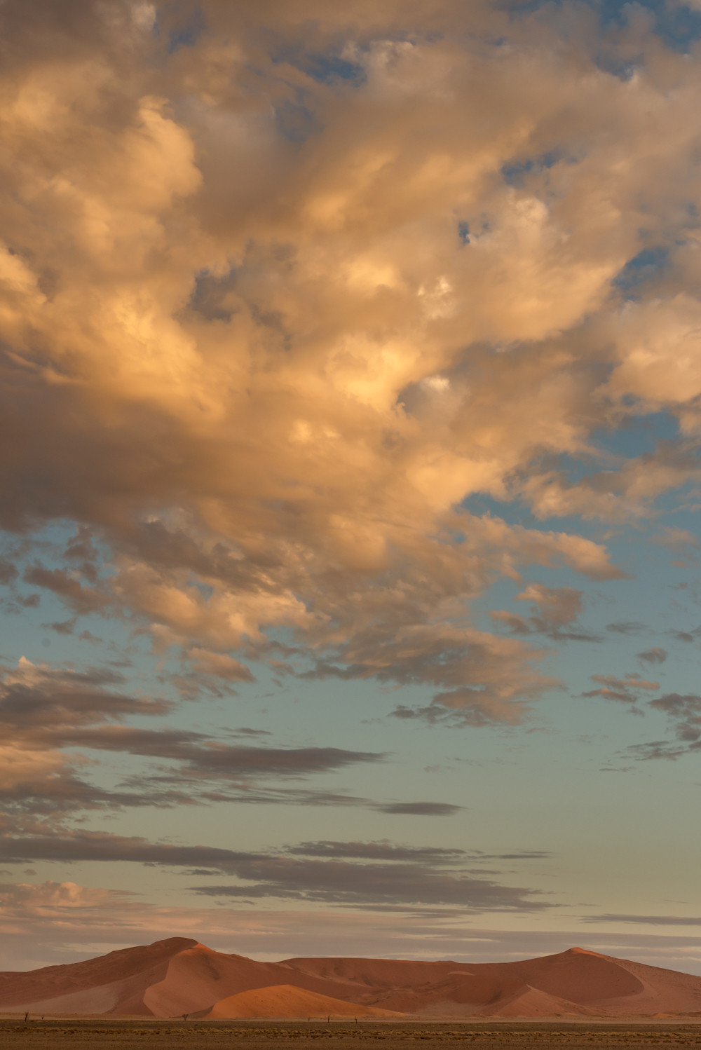 Great Clouds, above the dunes