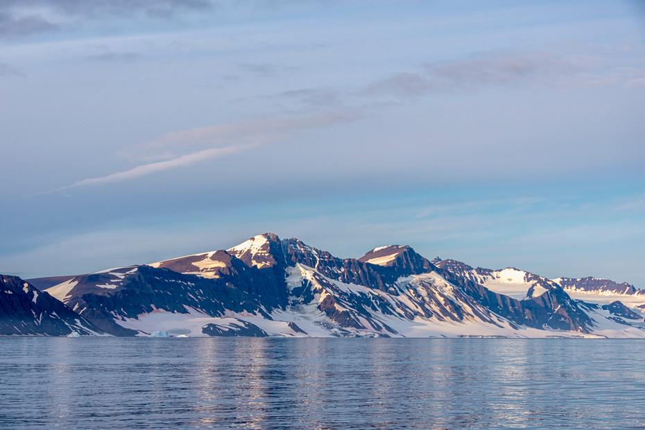 Mountain meets the sea