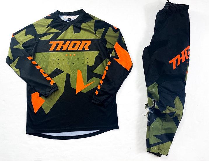 "Thor Sector ""Warship"" orange/green gear combo (30/M)"