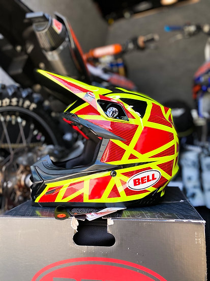 """Bell Moto 9 Carbon Flex """"Strapped"""" yellow/red BRAND NEW Helmet Size XL"""