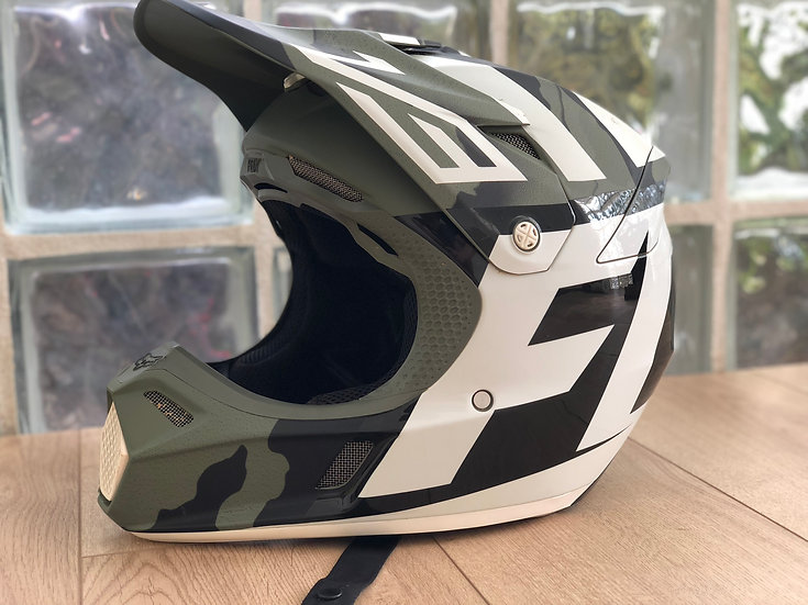 2017 Fox Racing V3 Creo MIPS Camo helmet size large