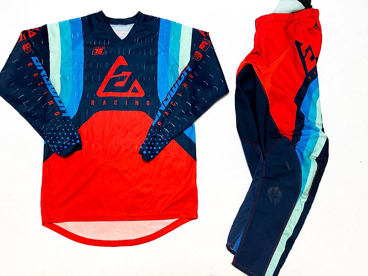 Answer Syncron red/navy gear combo (30/S)