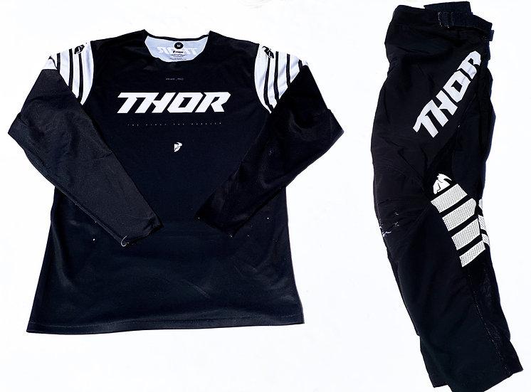 2020 Thor Prime Pro black/white gear combo (32/M)