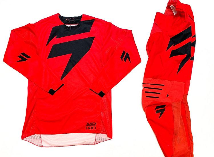 Shift Black Label red/black gear combo (32/M)