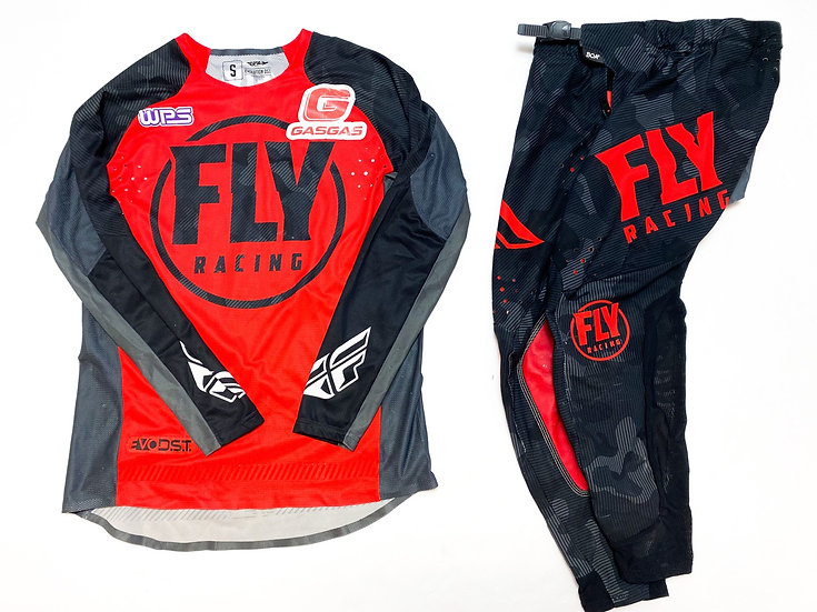 Fly Evolution camo/red gear combo (30/S)
