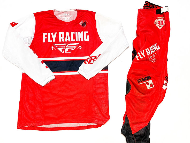 Fly Kinetic Era red/white gear combo (32/L)