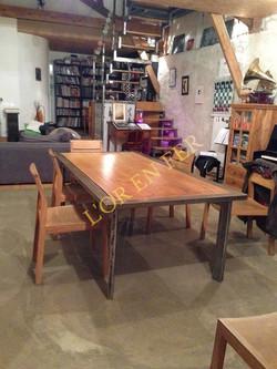 Table Emilien
