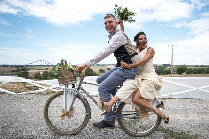 Ensemble de mariée GALLA PIA. Mariage civil, mariée moderne, Style contemporain. Magasin mariage Toulouse.