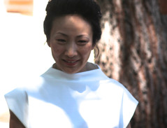 Robe minimaliste T ivoire. Robe de mariée minimaliste , une allure élégante et confortable. Boutique de robe de mariée à Toulouse, créatrice française Delphine Josse.