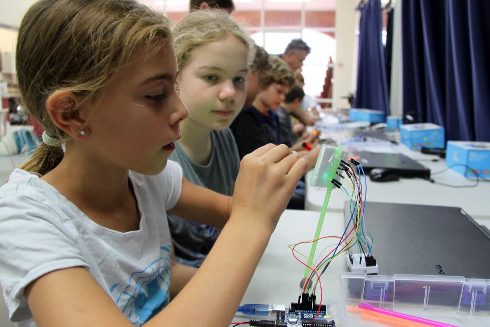 Creating Traffic Lights Arduino