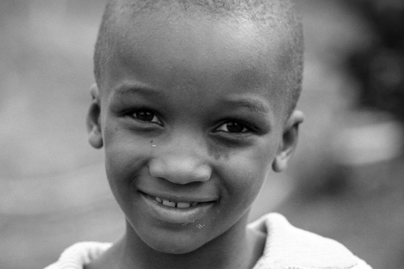Sorriso da criança Ruanda
