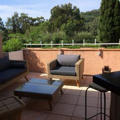 Votre terrasse dans votre appartement en location à Cavalière