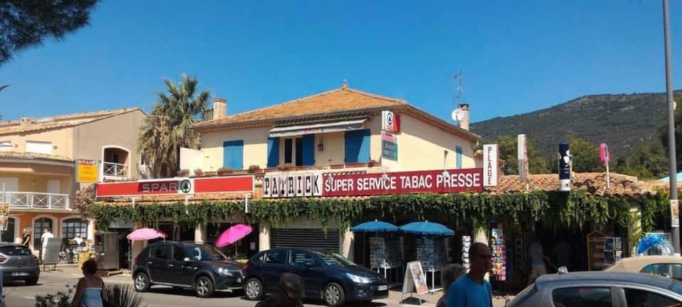 Spar, Bar Tabac le Cava et Patrick Super Service à Cavalière