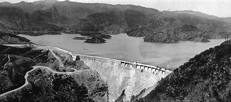 1928 St. Francis Dam before collapse