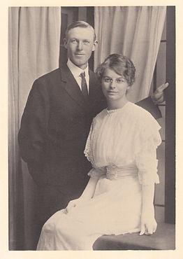 Cliff and Elvira Hardison 1914 2.jpg