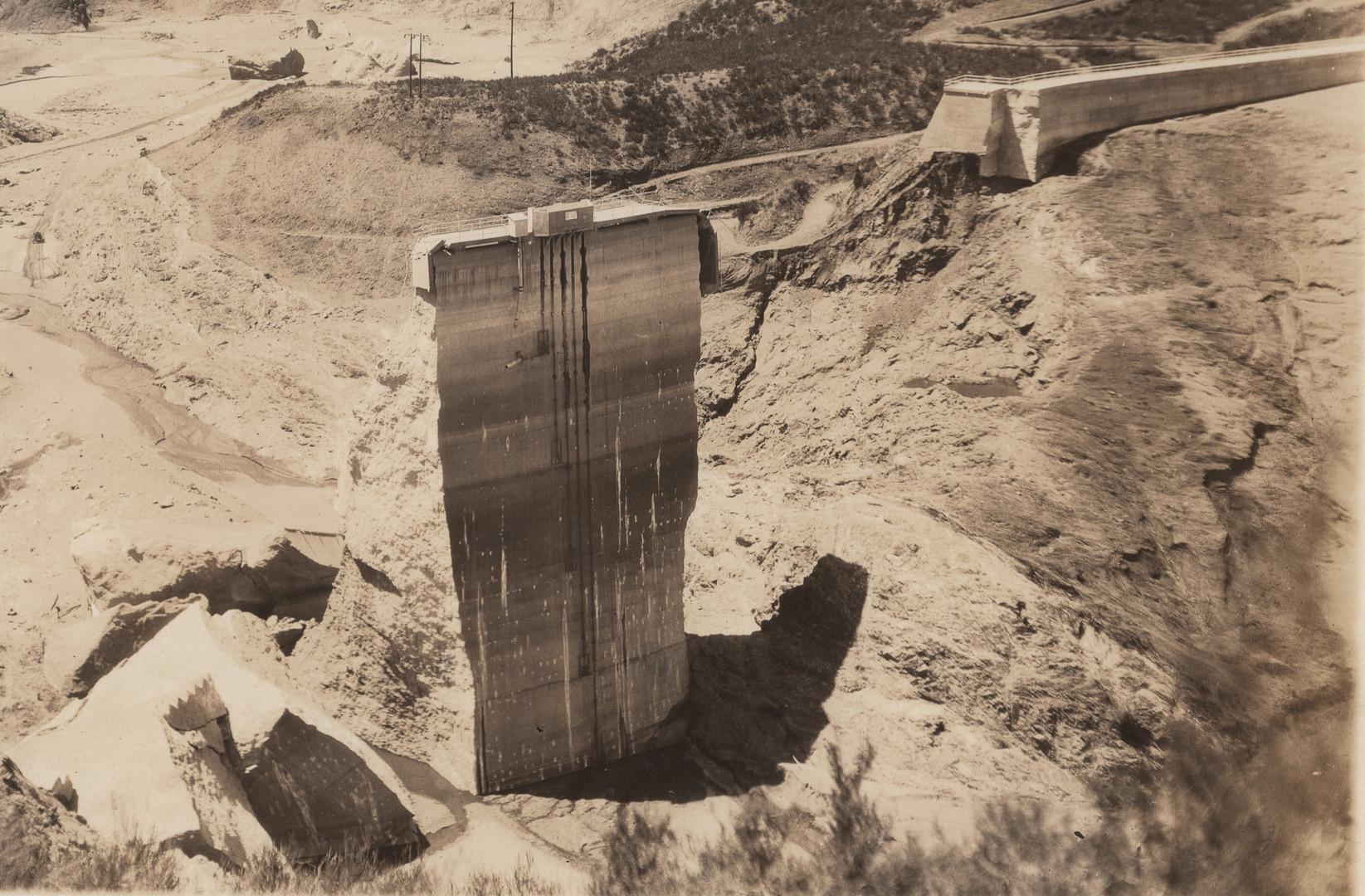 1928 St. Francis Dam Tombstone