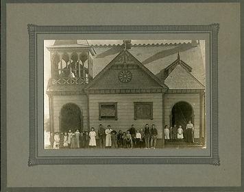 Sespe school on Grand 1890.JPG