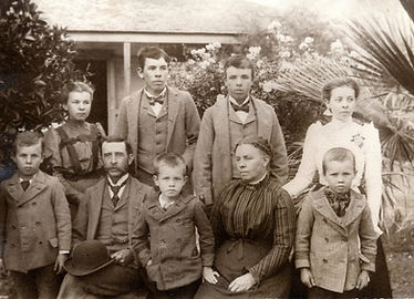 Arundell Family c 1910.JPG