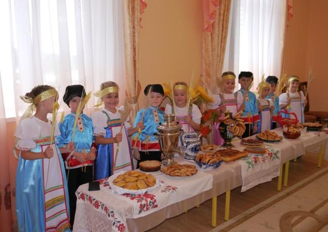 """""""Хлеб-соль"""" Выставка кулинарного искусства родителей"""