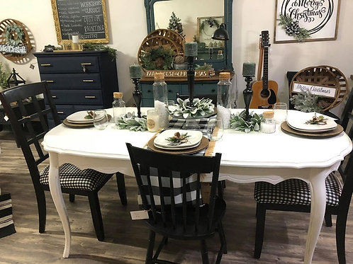 Sweet Caroline Table
