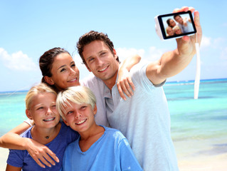 TIP OF THE MONTH!!! - SOCIAL MEDIA & VACATIONS
