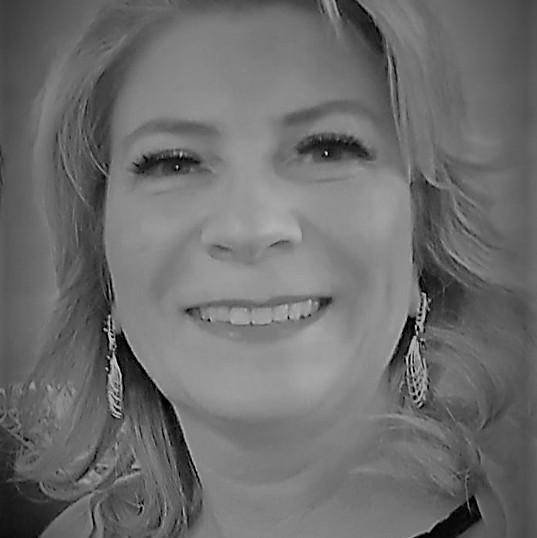 Profa. Dra. Sara Joana Gadotti dos Anjos