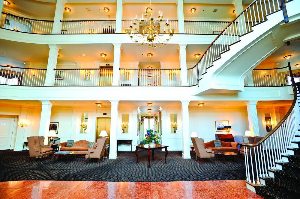 Avon Old Farms Hotel Wedding