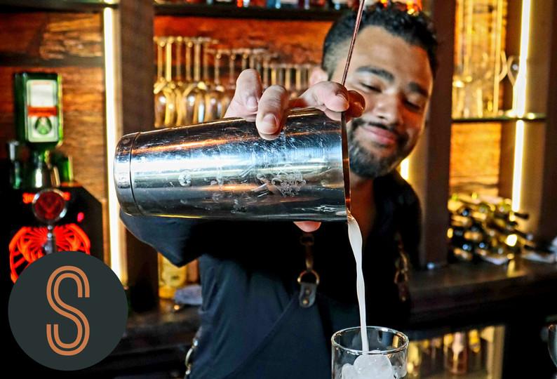 eetcafe de Schuimspaan - cocktails shake