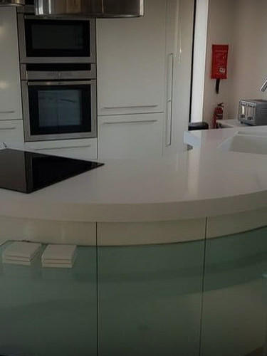Kitchens : Solid Surface Worktop Circular