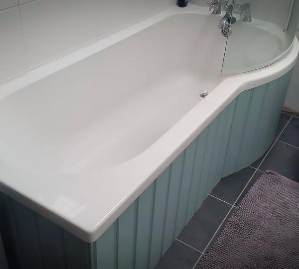 Bespoke Handmade Bath and Bathroom Furniture