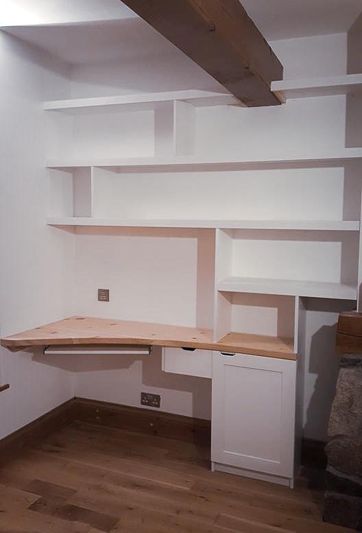 Handmade Bespoke Furniture : Shelving & Desk