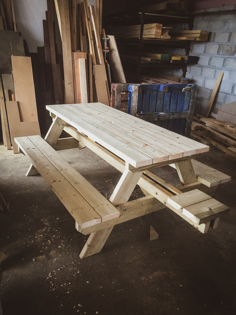 Bespoke Handmade Furniture : Outdoor Bench