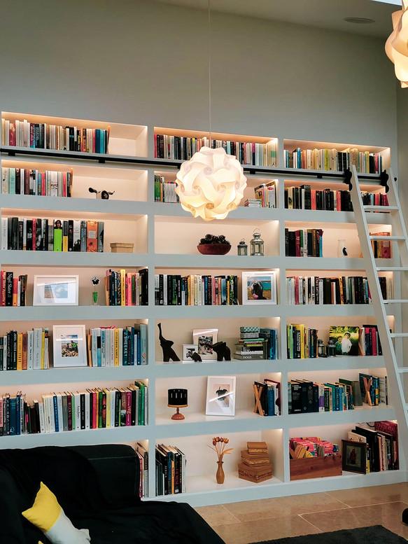 Bespoke Handmade Furniture : Built-in shelving bookshelf with ladder