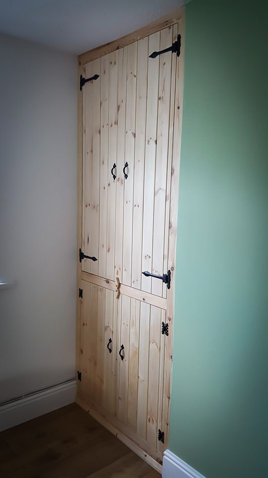 Handmade Bespoke Furniture : Built-in cupboard