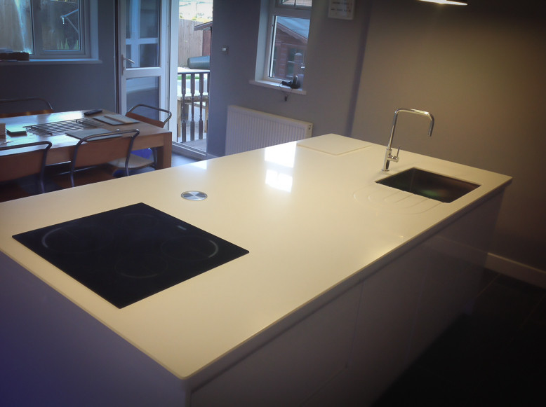 Kitchens : Solid Surface Worktop